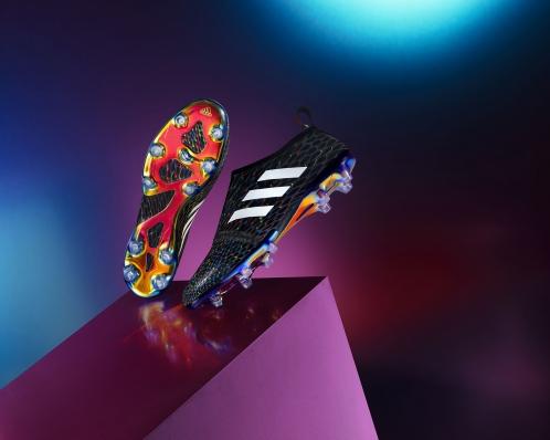 Adidas   Football   Glitch
