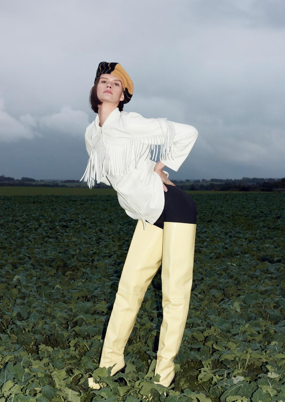 Daniela Kocianova | Costume