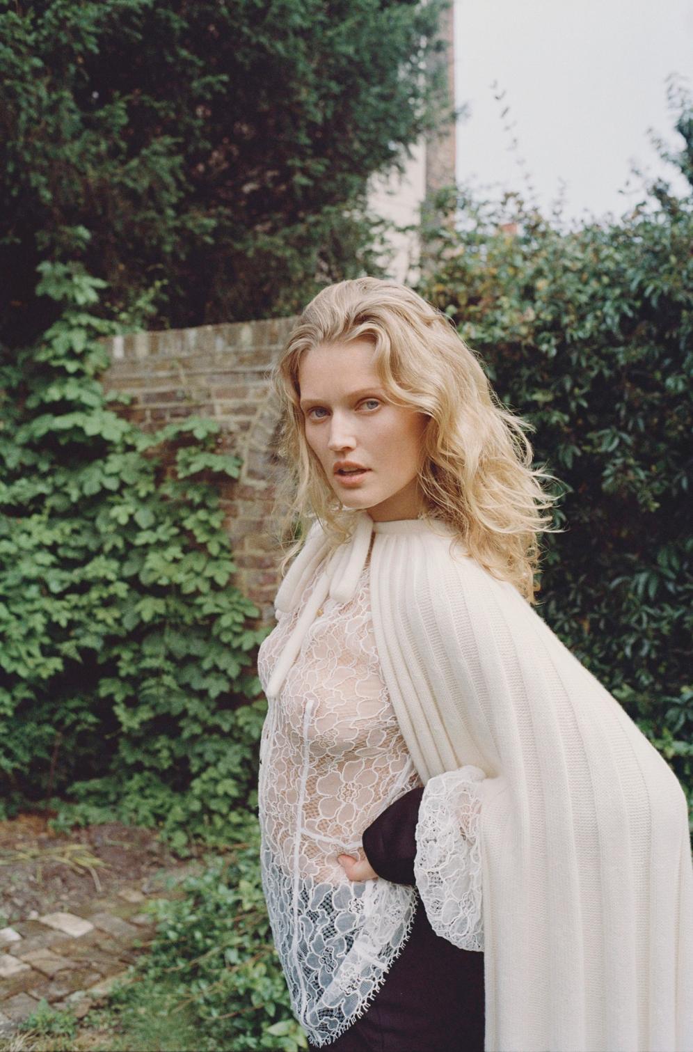 Toni Garrn | Stella Fashion Special